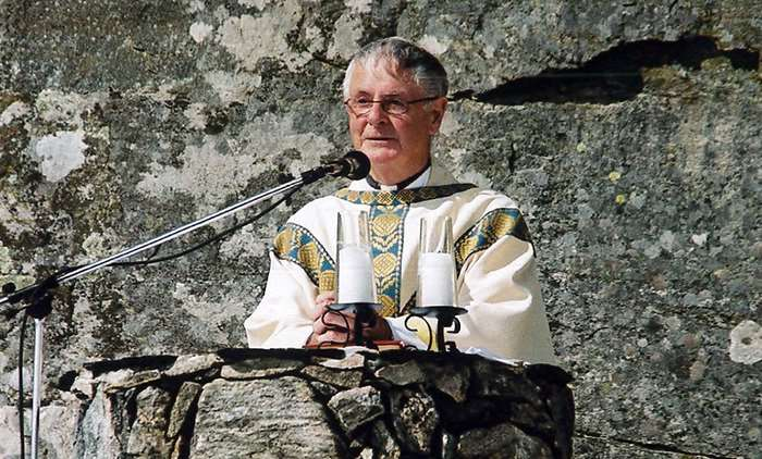 Canon MacQueen celebrates 65 years of priesthood